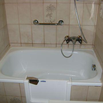 badewannent ren von magicbad die t r f r ihre badewanne. Black Bedroom Furniture Sets. Home Design Ideas